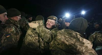 Порошенко увеличил сроки призыва в ВСУ