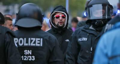 Правые опередили партию Меркель по популярности
