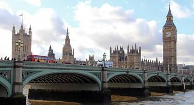 Лондон пообещал наказать Россию за Скрипалей