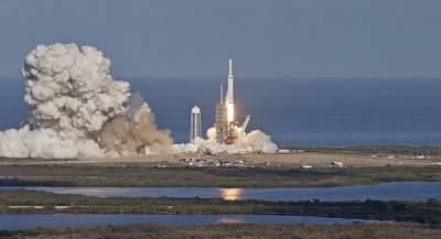 Илон Маск может лично полететь к Луне