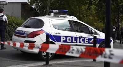 Сапёры осмотрели подозрительную машину в Париже