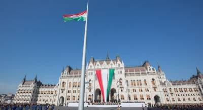 Украинцам тайно выдают венгерские паспорта
