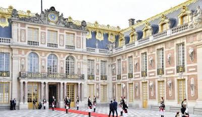 Франция покончит с бедностью за четыре года