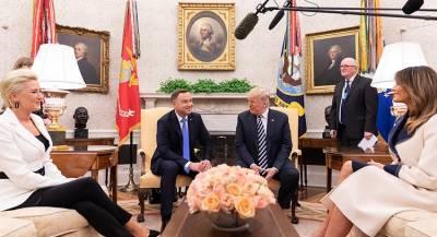 Монтаж снимка Дуды и Трампа рассмешил польского лидера