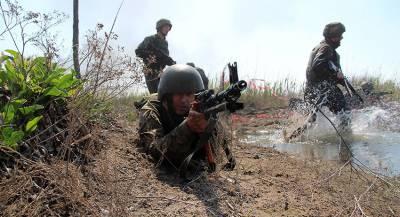 Украинские военные минируют границу с ЛНР