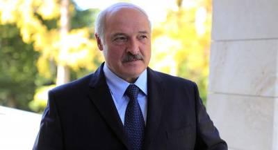 Лукашенко обвинил РФ в срыве сроков по Белорусской АЭС