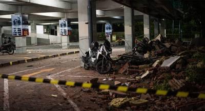 Десятки человек погибли из-за цунами вИндонезии