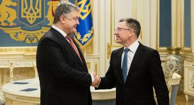 Порошенко и Волкер обсудили ситуацию в Донбассе