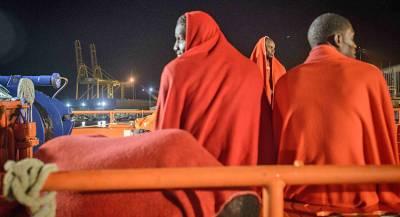 Лодка с мигрантами затонула около берегов Турции
