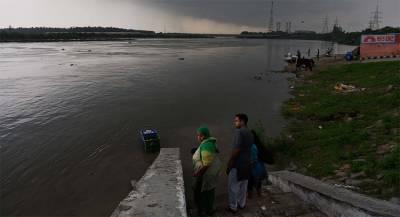 В Индии сотни тысяч человек эвакуировали из-за циклона