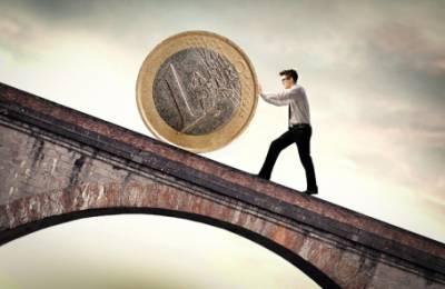 Депозит в долларах или евро: известный вопрос, на который нет правильного ответа