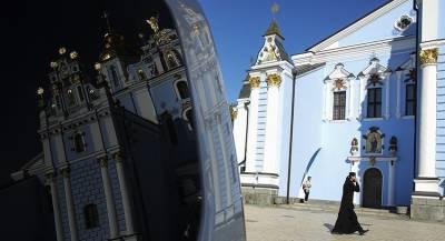Власти заплатят украинцам за молитвы об автокефалии