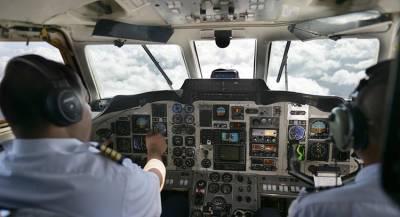 Пилоты посадили самолёт в Канаде из-за треснувшего стекла