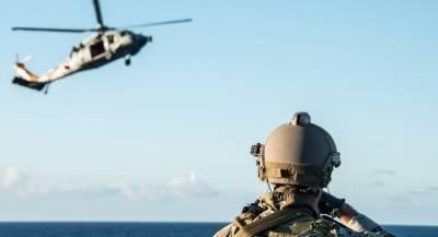 Военный вертолёт США упал на авианосец Ronald Reagan