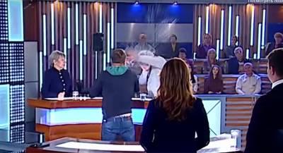 Депутат Верховной Рады подрался с обидчиком в телеэфире