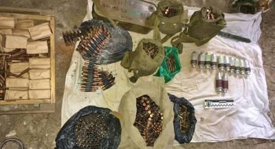 На заброшенной заправке в ЛНР нашли гранатомёты и боеприпасы