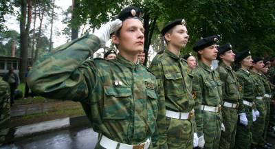 Лукашенко собирает армию из студентов