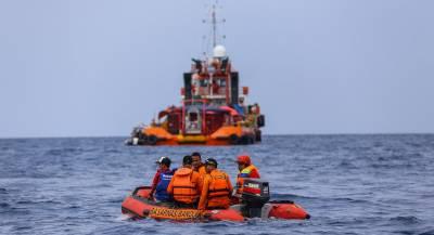 Спасатели расширили зону поисков индонезийского Boeing
