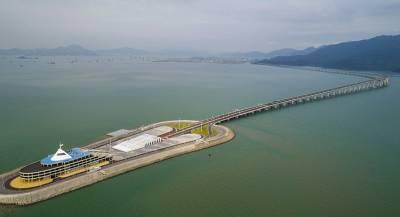Самый длинный в мире морской мост открыли в Китае