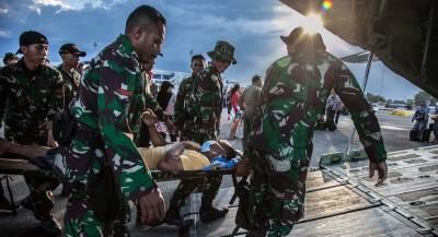 Число жертв цунами в Индонезии достигло почти 1,4 тысячи