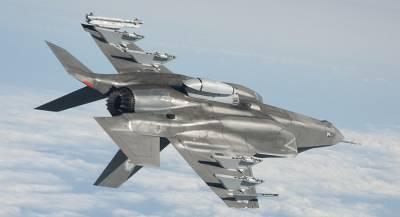 «Боевой дебют» истребителя F-35 в США назвали потерей времени