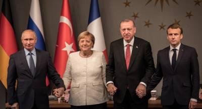 Меркель раскритиковали за дружелюбие к Путину