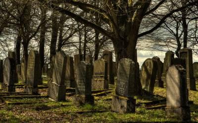 Венеция распродает места на исторических кладбищах