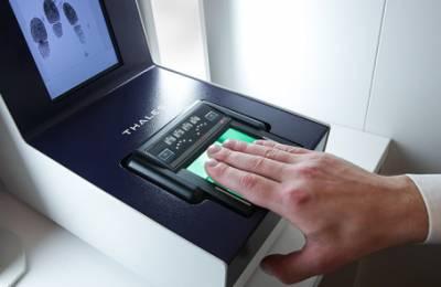 Банкам велели доложить о готовности к сбору биометрии