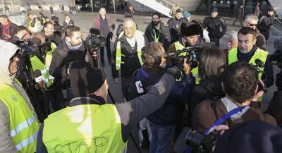 Сотню человек задержали во время акций протеста во Франции