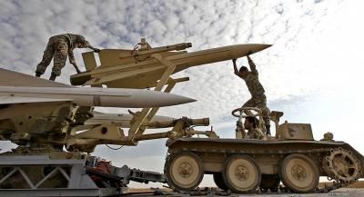 Иран ответил военными учениями на санкции США