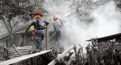 Жителей Гватемалы эвакуируют из-за пробуждения вулкана Фуэго