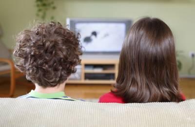 Почему тысячи британцев до сих пор смотрят черно-белые телевизоры?