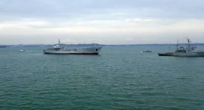 Британия требует доступа для торговых судов в Азовское море