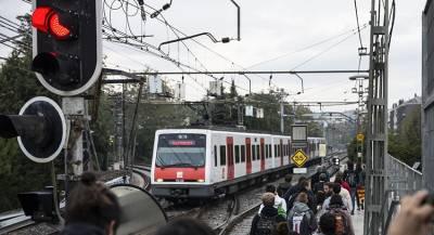 Два поезда эвакуировали в Барселоне