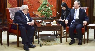 Китай призвал США решать вопросы на основе консенсуса