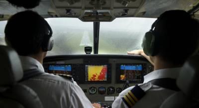 Пилоты посадили Boeing во время тропического ливня