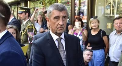 Премьер Чехии встретится с «переправленным» в Крым сыном
