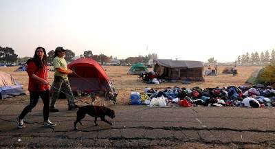 Тысячам погорельцев из Калифорнии негде жить