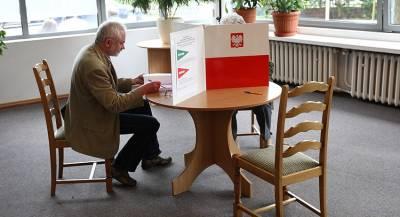 Независимые депутаты лидируют на выборах в Польше