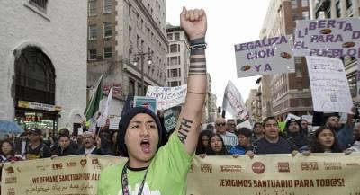 Трамп запретил нелегалам просить убежища в США