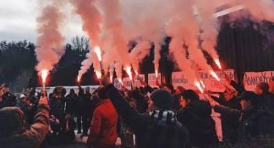 Украинцы расписали оскорблениями забор Авакова