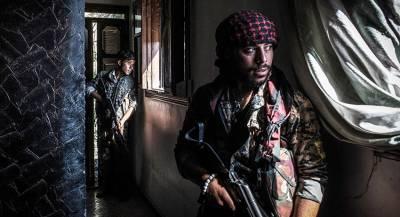 Этнические разногласия расшатали опору США в Сирии
