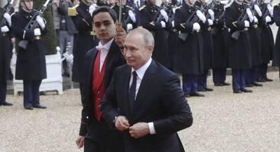 Чем занимался Путин во время визита в Париж