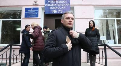 Выборы в Донбассе проходят с напряжением у границ