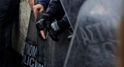 Демонстранты атаковали правящую партию в Афинах